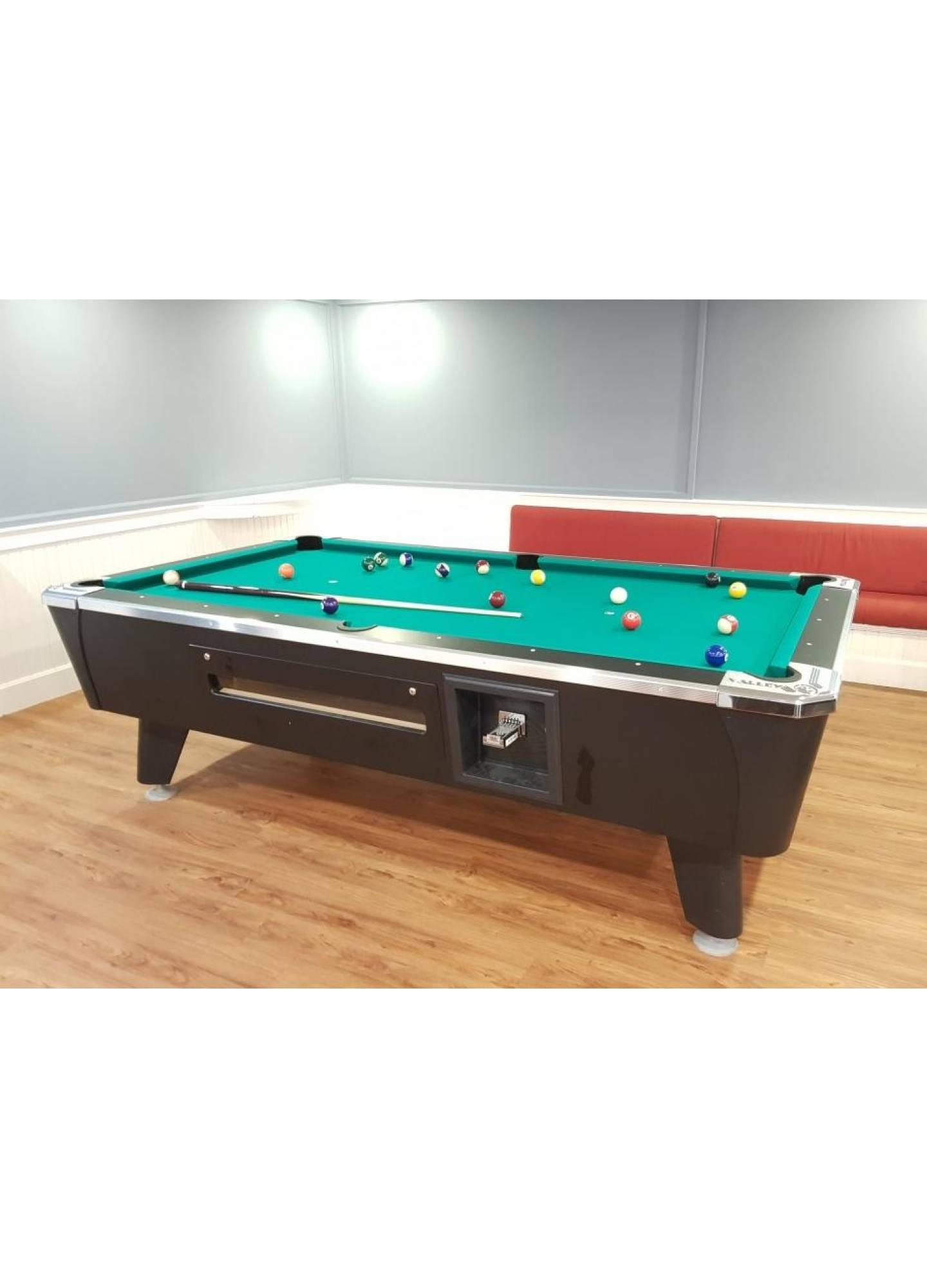 VALLEY DYNAMO POOL TABLE (FREE PLAY / COIN-OPERATED)